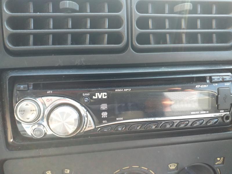 Радио/ CD/ с флашка JVC