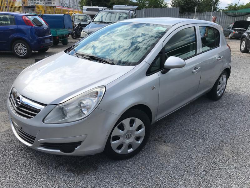 Opel Corsa 1.2i КЛИМАТИК